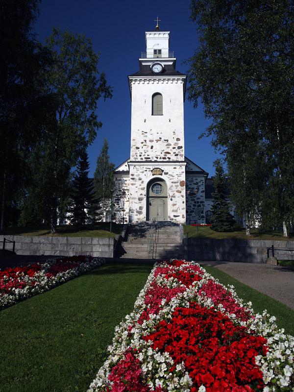 Kuopio_Tuomiokirkko_01 wikimedia